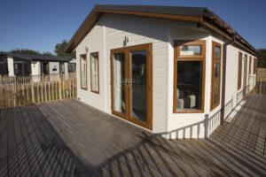 Westfield Lodge with Wooden Decking, Tydd St Giles, Norfolk