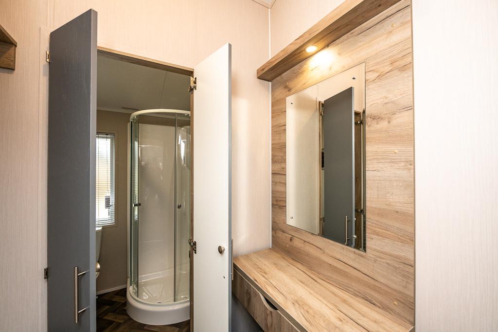 Coniston 1 Lodge Bathroom