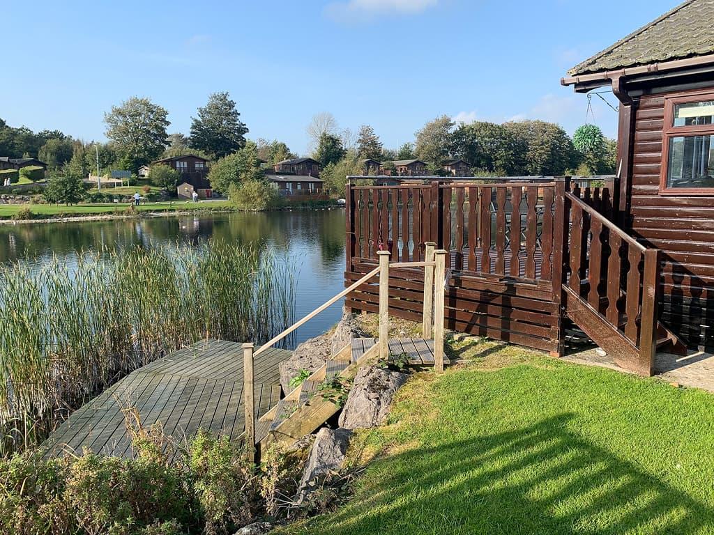 Lakeside 4 Lodge views