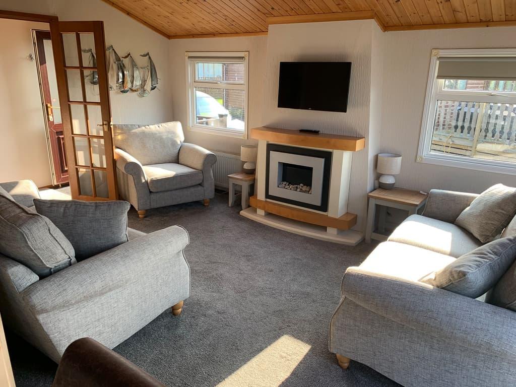 Lakeside 4 Living Room